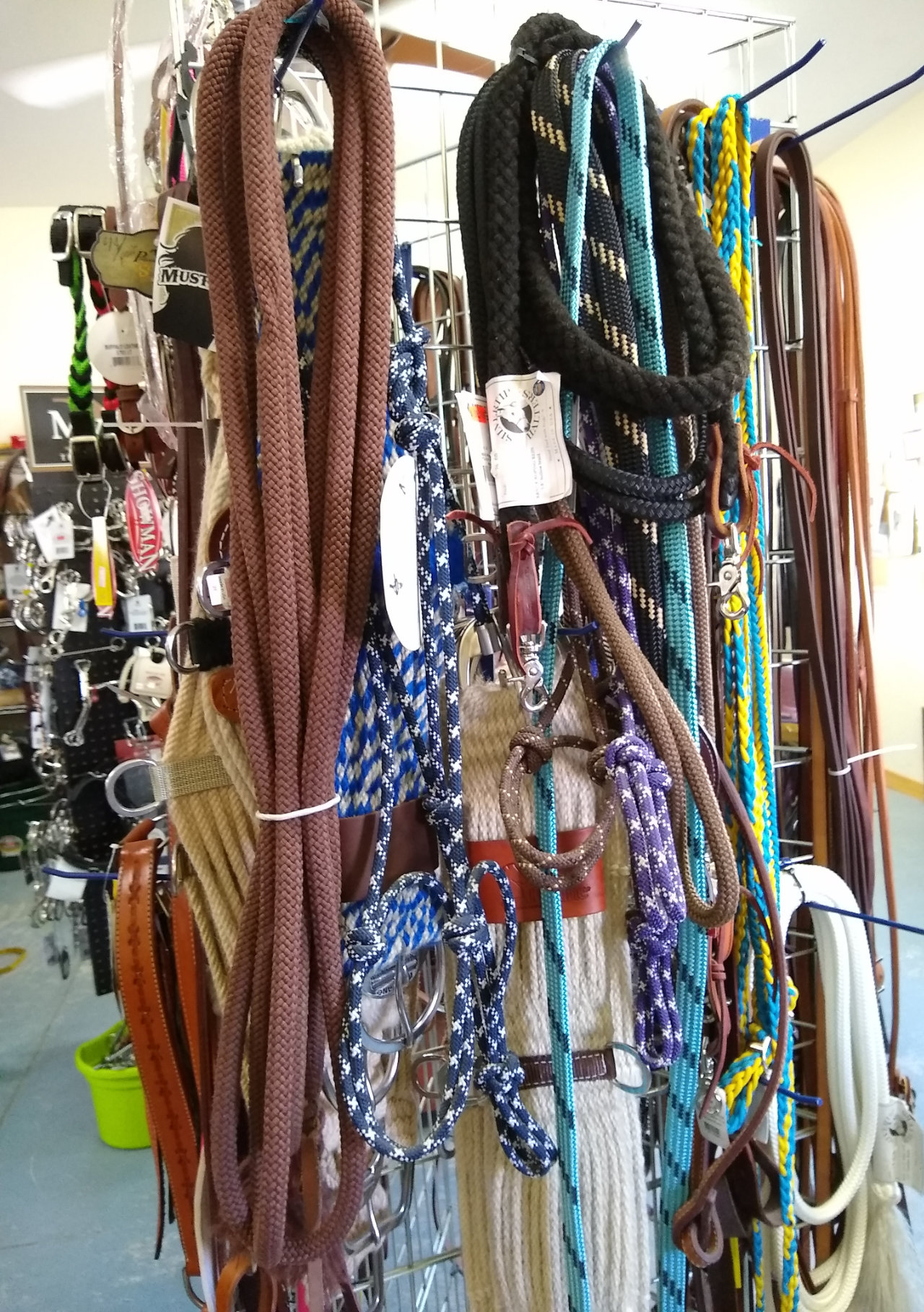 Too'Shay Tack store lead ropes